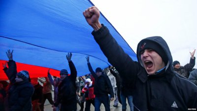Pro-Russia Throngs Overtake Crimean Parliament; Moscow Will Likely Back Them Despite Costs